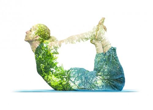 chica sana haciendo yoga